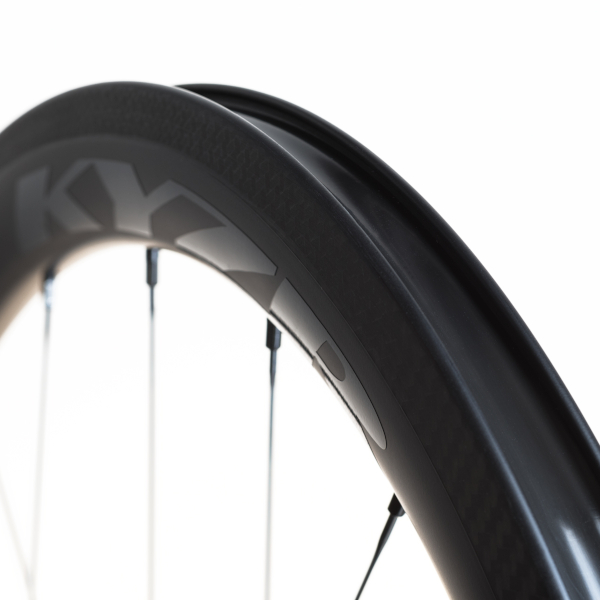 KYZR Tubeless Technology